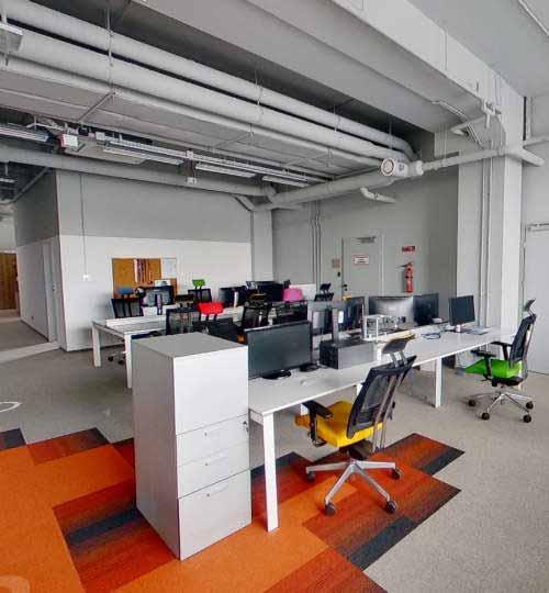 Wirtualny spacer po biurze